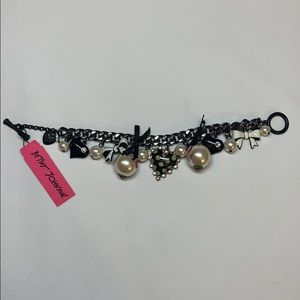 Betsey Johnson Pearl and Bow Toggle Bracelet